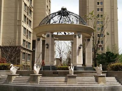 石liang亭的雕ke风格有na些