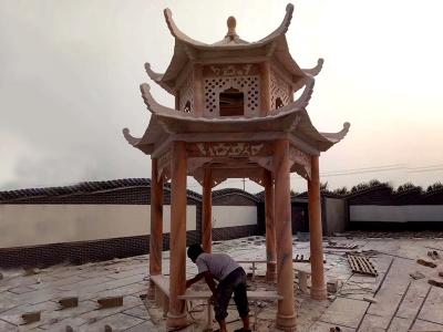 庭院晚xia红石liang亭