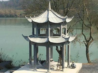 qing石an边石liang亭