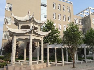 小qu六角石liang亭