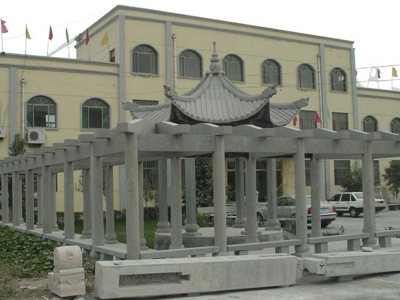 政府楼qian石雕长廊