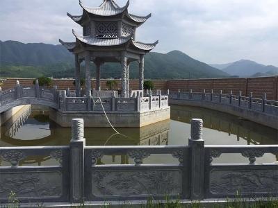 池边连桥多层石liang亭