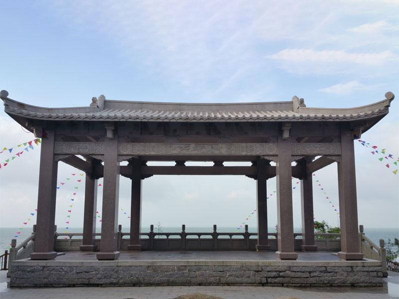 江畔石雕凉亭(图1)